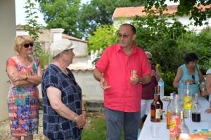 Le vin d'honneur offert par la municipalité.