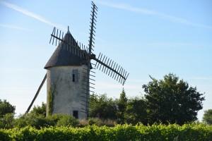 Moulin à vent au village de Garreau