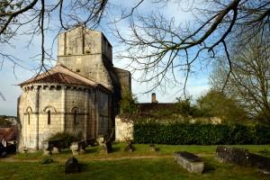 L'église et l'ancien cimetière